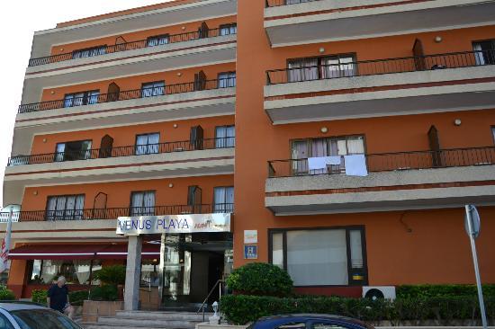 HSM Venus Playa: Hotel von vorne