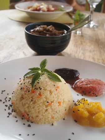 Cozinha Aberta: Beef stew in yogurt sauce, cous cous and fruit sauces - heavenly!