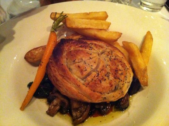 Bistro Felix: rabbit pie with carrot