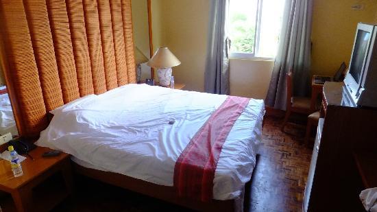Hotel La Corona de Lipa: Room