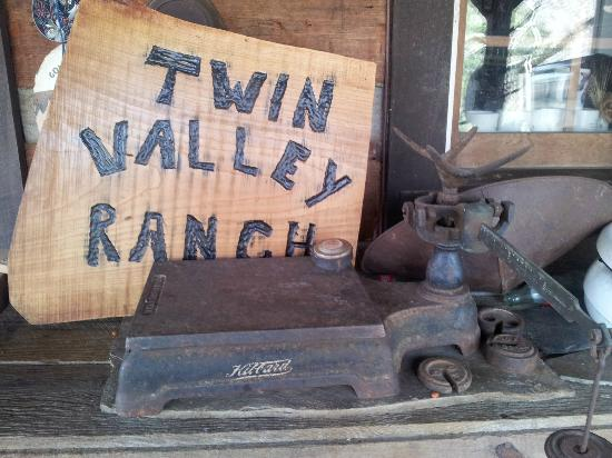 Twin Valley Bed and Breakfast and Horse Ranch: TVR Sign - So much to see!