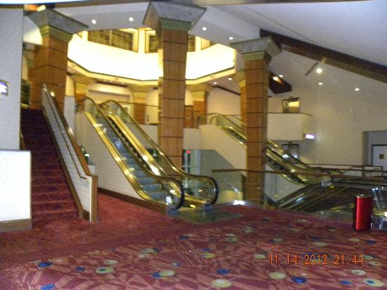 Harrah's Joliet Hotel And Casino: Lobby