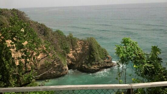 Hotel Jamaican Colors: cliffs near the hotel