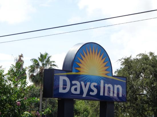 Days Inn Clearwater/Central : View of Hotel Grounds