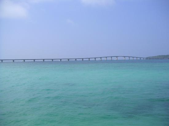 Kurima Bridge: 来間大橋(宮古島・与那覇前浜ビーチより)