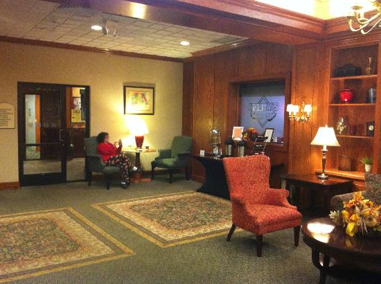 BEST WESTERN PLUS North Haven Hotel : Lobby