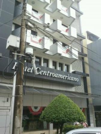 Centroamericano Hotel: Vista de la fachada