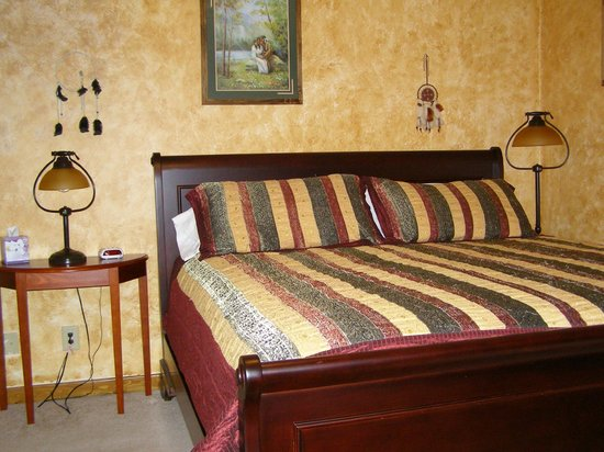 Denali Touch Of Wilderness Bed and Breakfast Inn: Room # 1  Southwestern