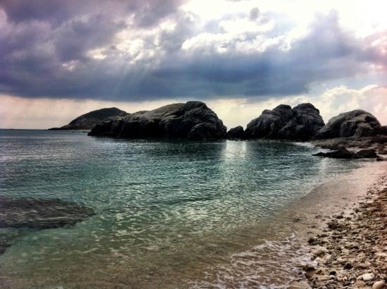 Aharen Beach: aharen rocks