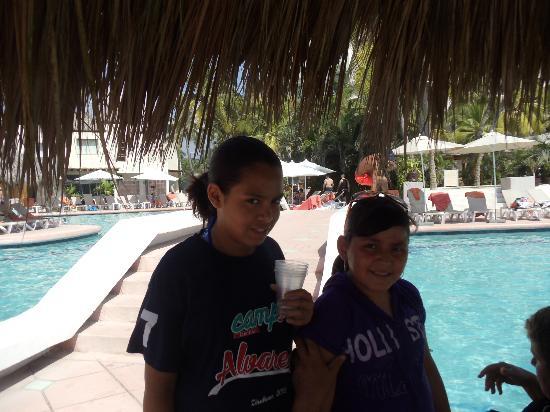 Sunscape Dorado Pacifico Ixtapa: POBRESITAS