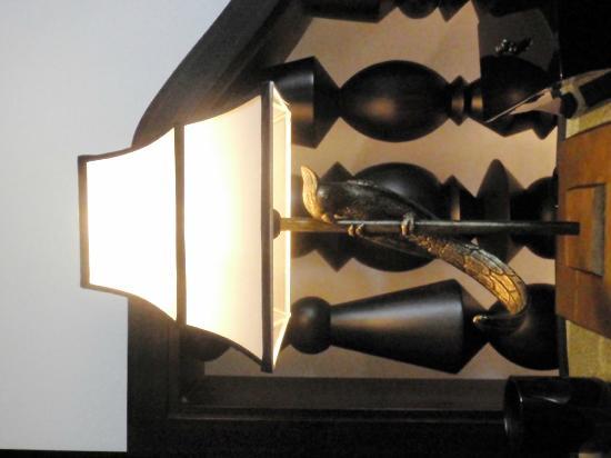 InterContinental Danang Sun Peninsula Resort : Table lamp