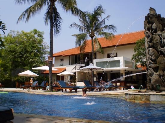 발리 라니 호텔 사진