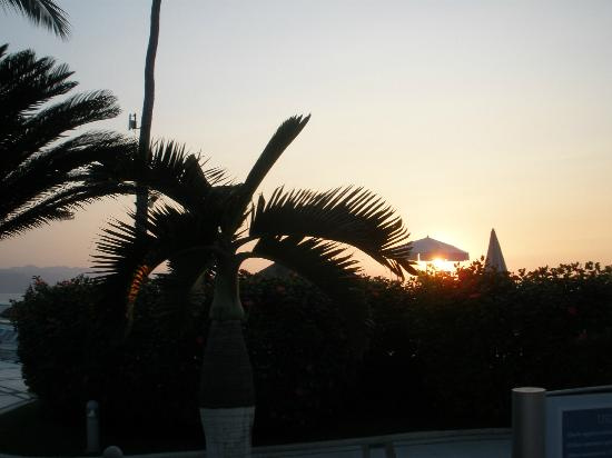 Buenaventura Grand Hotel & Great Moments All Inclusive: Sunset from pool area