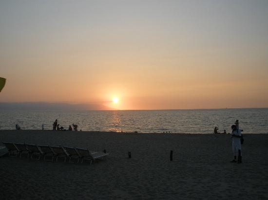 Buenaventura Grand Hotel & Great Moments All Inclusive: Sunset from beach