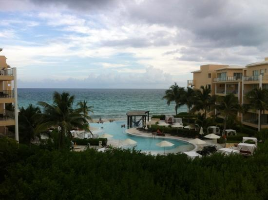 Now Jade Riviera Cancun Resort & Spa: view from put deck