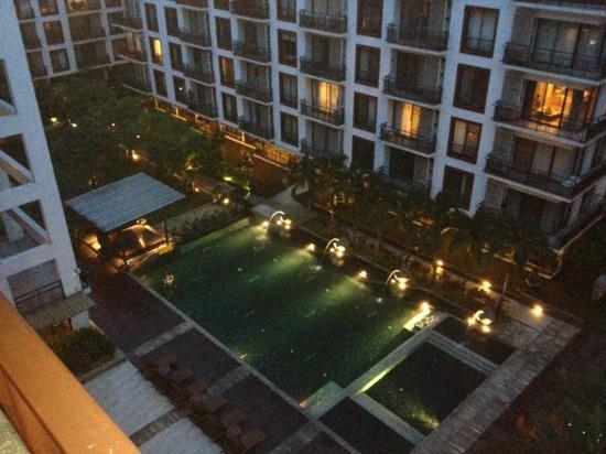 Amanta Ratchada Serviced Apartment Bangkok Hotel: Nice view of the pool.
