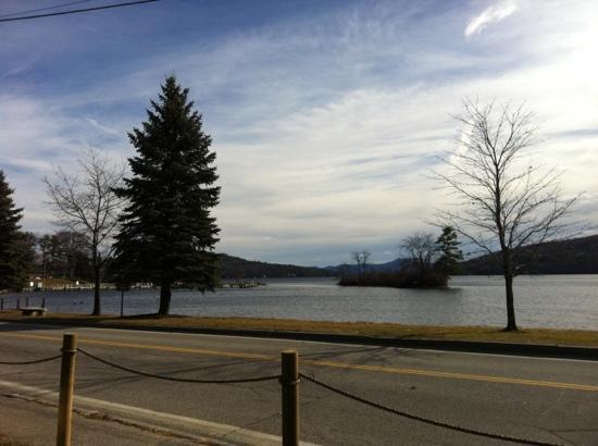 Lakeside Deli & Grille: view from the restaurant