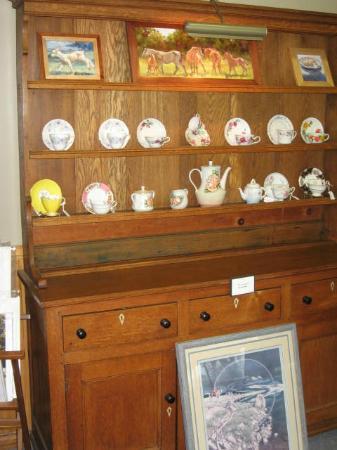 Burns Gallery & Tea Emporium