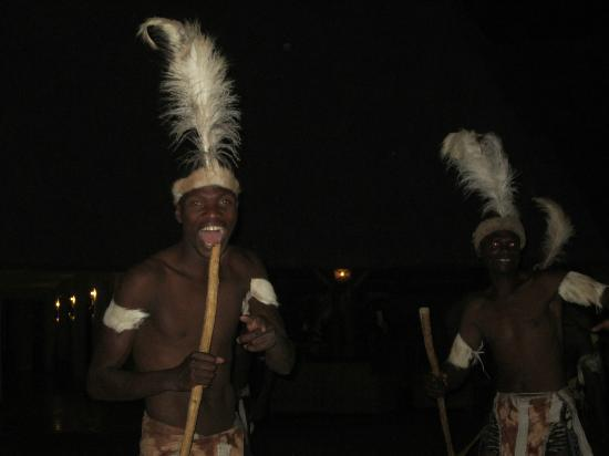 A'Zambezi River Lodge : Dancers at dinner