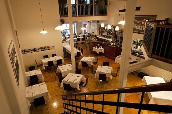 Georges on Waymouth : Restaurant