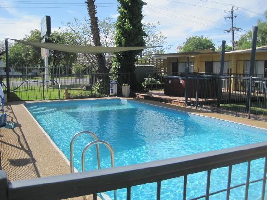 Cootamundra Gardens Motel: Swimming Pool