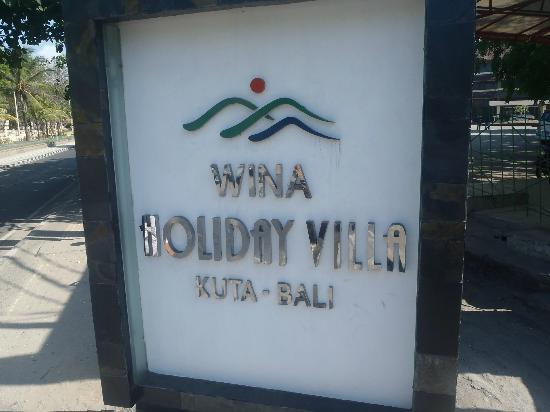 Wina Holiday Villa Hotel: The is the only sign on the street, about 5ft tall and on the ground
