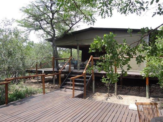 Ngama Tented Safari Lodge: Main dining/welcome area