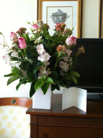 Palazzo Versace: my birthday bouquet