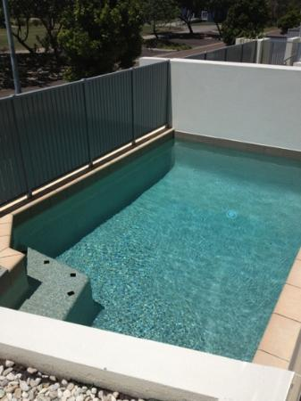 White Shells Luxury Apartments: private pool