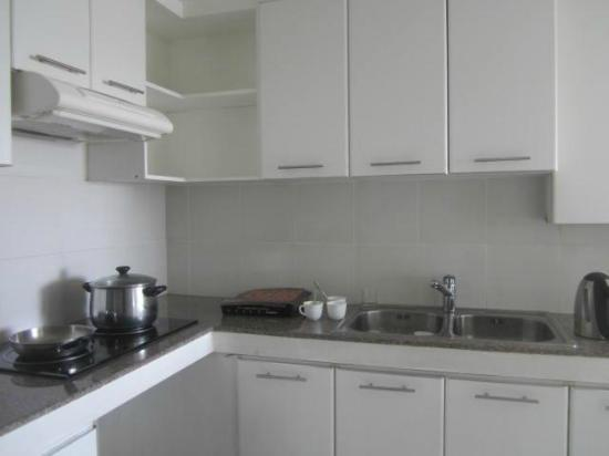 Astoria Plaza: The kitchen
