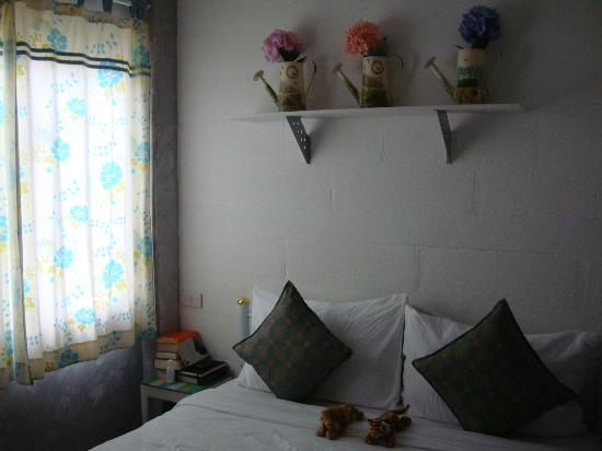 Focal Local Bed and Breakfast: room simply gorgeous 