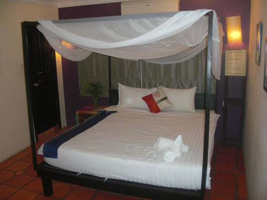 The Villa Siem Reap : my bed