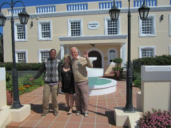 Milkwood Manor on Sea : Dennis, Maria & Kees in front of the Manor