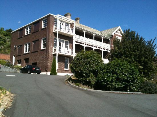 Auldington: Hotel