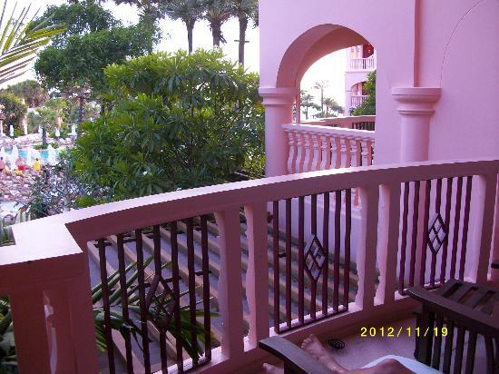 Centara Grand Beach Resort Phuket: Inte alla rum har havsutsikt