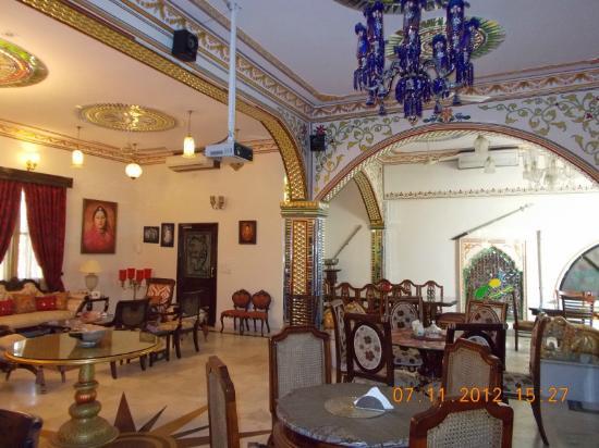 Madhu Pushp Bhawan: The sitting room