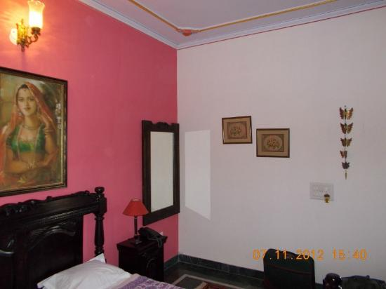 Madhu Pushp Bhawan: The room