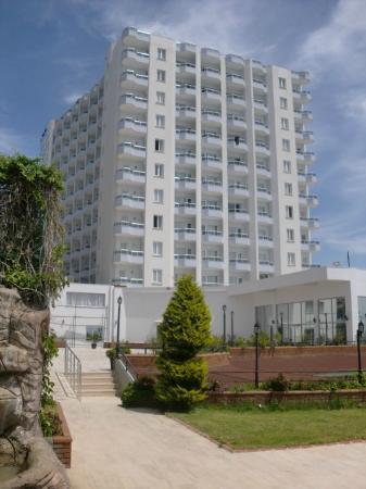 Antalya Adonis Hotel : Vu de la piscine!