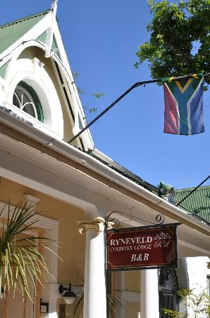 Ryneveld Country Lodge: At the entry