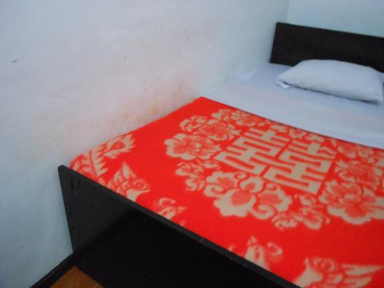 Thuwunna Bumi Mountain View Resort : proprete des murs interessante