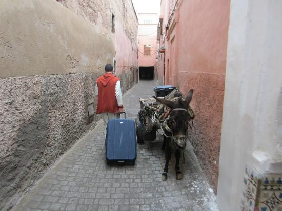 Riad Charai: Route to taxi