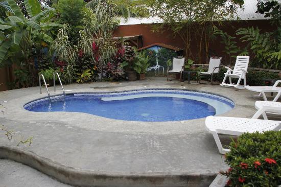 Cabinas Jimenez: Pool