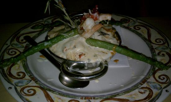 Tatiana's Restaurant: Imperial Seafood Caserole