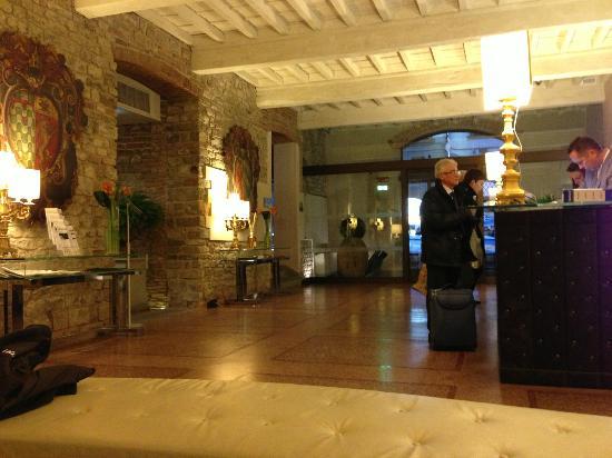 โรงแรมบรูเนลเลสชิ: Lobby