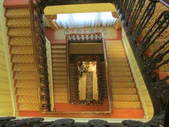 The Shelbourne Dublin, A Renaissance Hotel: The historic stairway