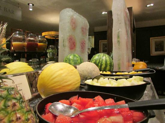The Shelbourne Dublin, A Renaissance Hotel: Breakfast Watermelon Ice Sculpture!