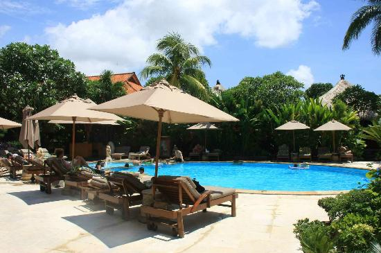 Ramayana Resort & Spa: pool side