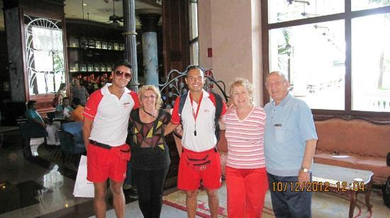 Hotel Riu Palace Las Americas: en el salon con amigos