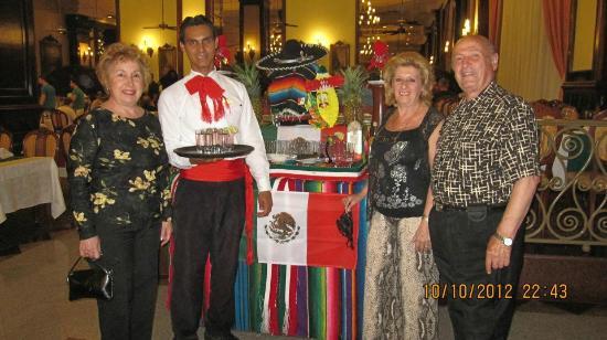 Hotel Riu Palace Las Americas: noche mexicana