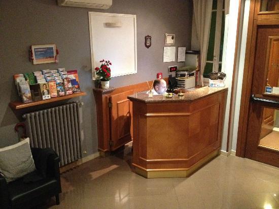 Hotel Angelica: 24 hour reception